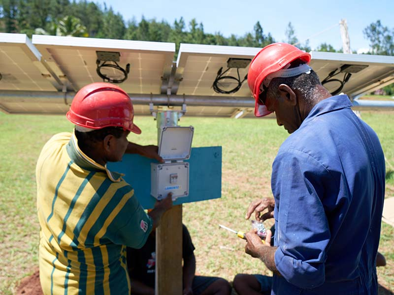 Contracted engineers install solar panels to power a borehole at Cobue Sanatan Dharam Primary School. Rotary Pacific Water is committed to providing sustainable water solutions to rural communities, and using green energy wherever it is possible.